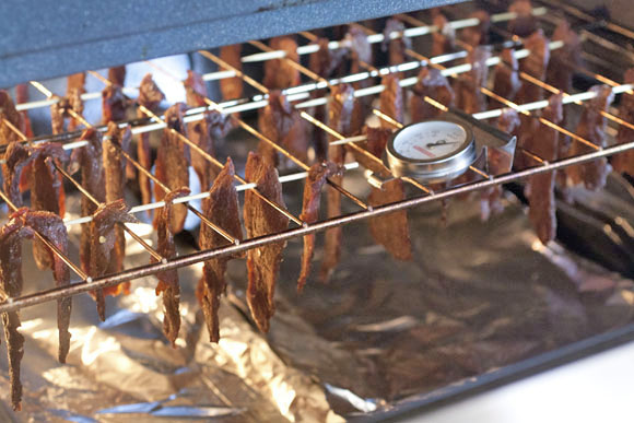 beef-jerky-in-the-oven